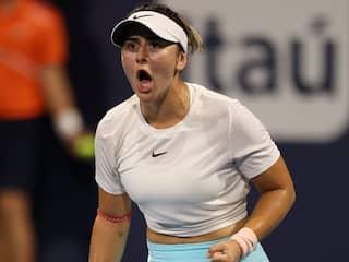 "Watch: Bianca Andreescus ""Absolutely Incredible"" Forehand Winner vs Garbine Muguruza At Miami Open"