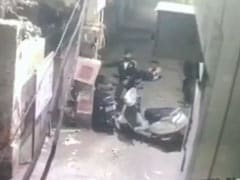 Caught On CCTV: Double Murder On Delhi Street, Accused Kept Stabbing