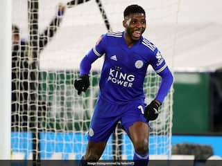 In-Form Kelechi Iheanacho Signs New Leicester City Deal
