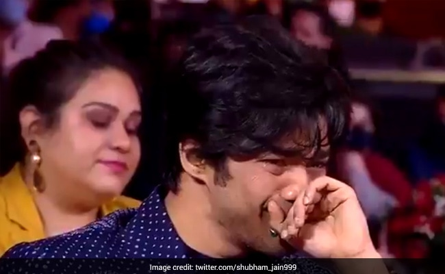 'Kadak Launda Hai Woh': Irrfan Khan's Wife Sutapa Sikdar's Response To Babil Crying At Filmfare Awards