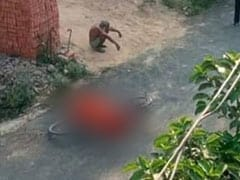 No Cremation, No Help, Man Carries Covid Positive Wife's Body On A Cycle