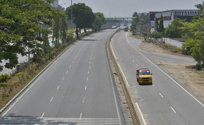 Karnataka Lockdown From Tomorrow For 2 Weeks, Essentials From 6-10 AM