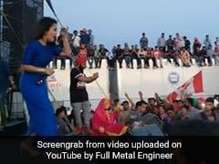 Neha Kakkar का थ्रोबैक Video हुआ वायरल, कनाडा में 'काला चश्मा' गाने पर यूं किया था परफॉर्म