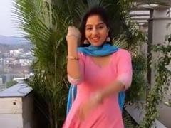 Deepika Singh ने पिंक सूट में झूमकर किया डांस, देखें Video