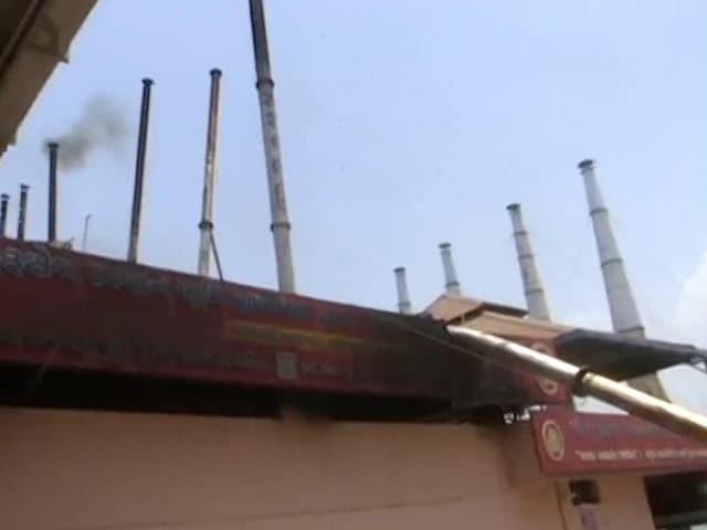Video : COVID-19: Chimney Of Surat Crematorium Bends Due To Overheating