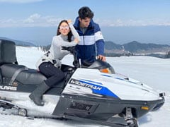 "Sara Ali Khan And Brother Ibrahim Are ""The Chosen Frozen"" In Pic From Gulmarg"