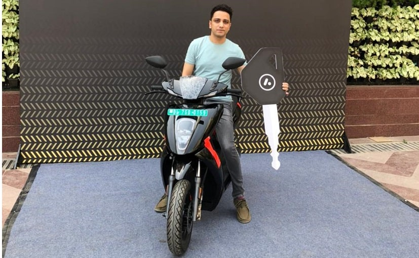 The first Ather 450X Series 1 in Delhi was recently delivered to Dr Pawan Munjal, Hero MotoCorp