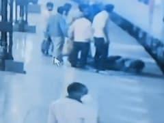 MP : चलती ट्रेन में चढ़ते वक्त फिसला पैर, जा सकती थी जान, लेकिन RPF पुलिसकर्मी ने बचा लिया