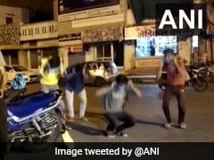 मध्य प्रदेश : कोराना महामारी में भी लॉकडाउन का उल्लंघन करने से नहीं चूक रहे लोग, पुलिस ने दी 'सजा'..VIDEO