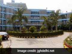 Amid Oxygen Shortage, Delhi Hospital Denies More Admission Requests