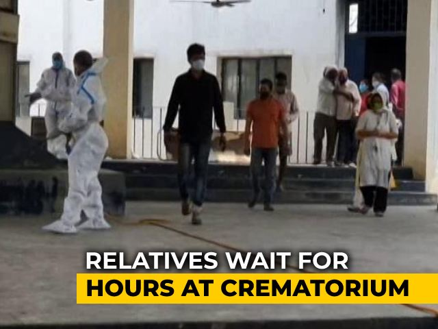 """Video : """"A Mask, A Prayer"""": Lucknow Crematorium Workers Face Rush Of Covid Bodies"""