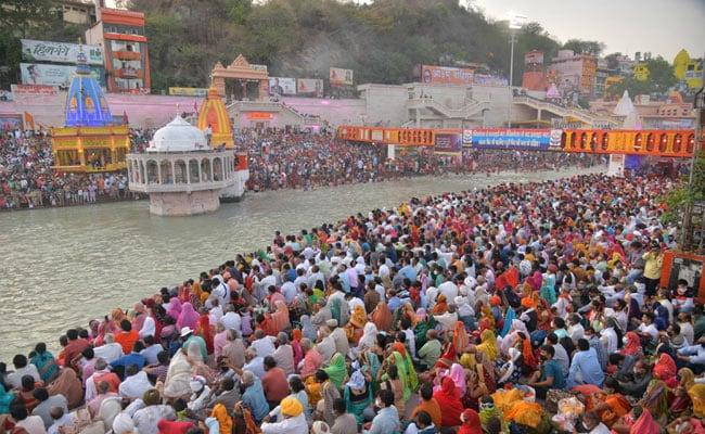Lakhs At Haridwar Mahakumbh Amid Covid. Video Here