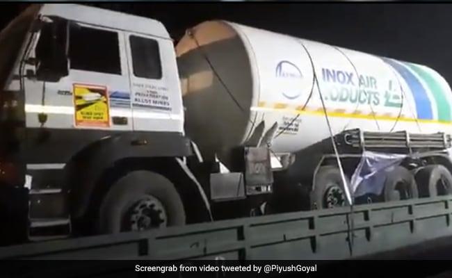 First 'Oxygen Express' Races Towards Maharashtra Amid Covid Crisis