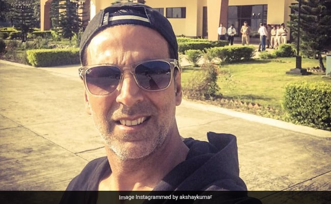 Akshay Kumar In Hospital With COVID-19; Two Other Actors Test Positive