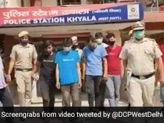 8 Including 2 Women Held For Assaulting Cop In Delhi