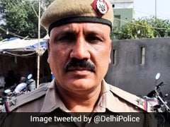 Family Unwilling, Delhi Cop Takes Covid Victim's Body To Crematorium