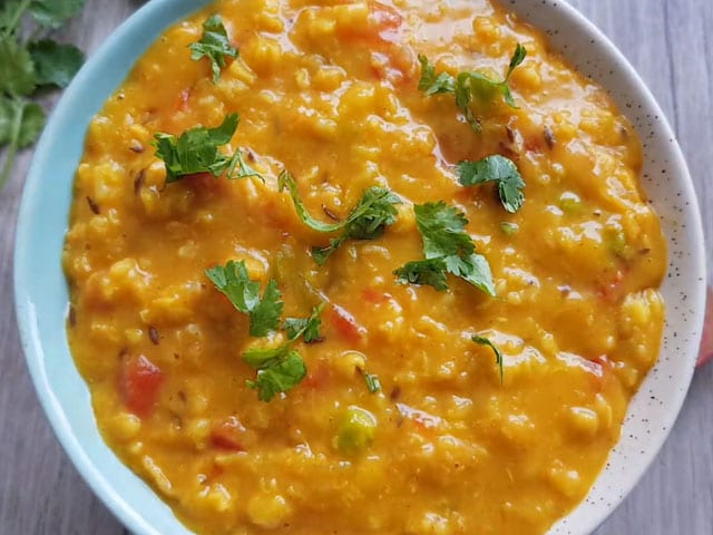 Video : How To Make Oats Khichdi | Easy Oats Khichdi Recipe Video