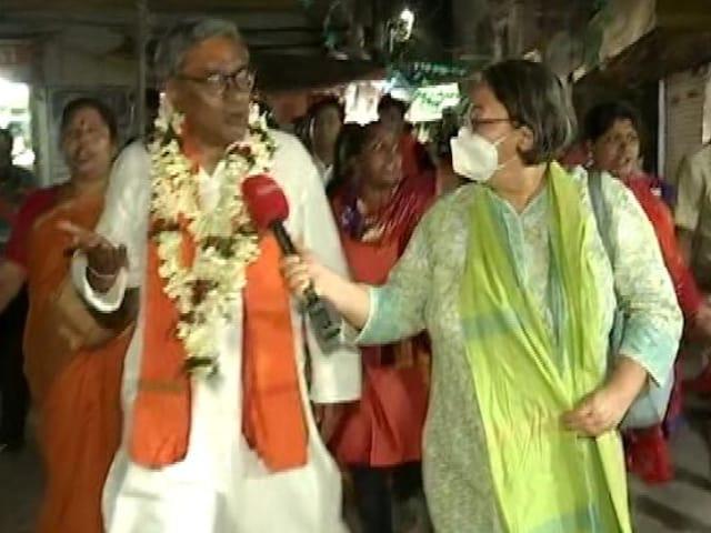 Video : Swapan Dasgupta Vs Ramendu Singha In Tarakeshwar