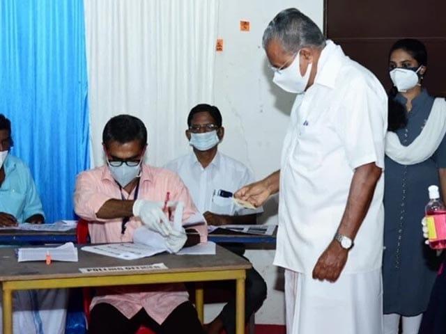 Videos : केरल चुनाव: मुख्यमंत्री पिनराई विजयन ने डाला वोट