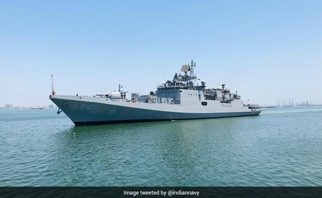 कोरोना से जंग में भारतीय नौसेना भी तैयार, विदेशों से ऑक्सीजन लेकर आ रहे युद्धक पोत