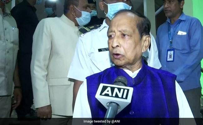 ओडिशा विधानसभा में हंगामा, अध्यक्ष के आसन की तरफ चप्पल, ईयरफोन और कागज फेंके गए