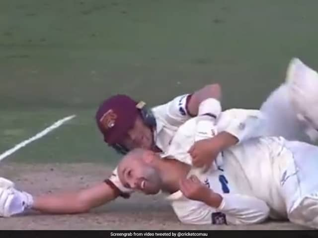 """Watch: When Labuschagne And Lyon Found Time To """"Cuddle"""" On The Pitch"""