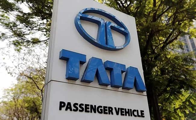 Tata Motors Loss Narrows To Rs 4,451 Crore In June Quarter