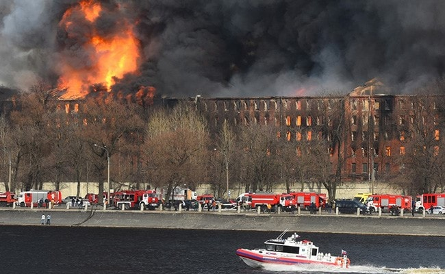 Massive Fire At Russia's Historic Saint Petersburg Factory, 40 Evacuated