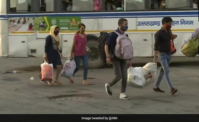 लॉकडाउन लगने की आशंका में दिल्ली और हरियाणा से मजदूरों का पलायन
