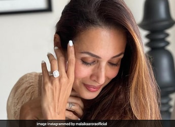 Malaika Arora Enjoys Hearty Lunch Of Aloo Parantha And Its Making Us Hungry