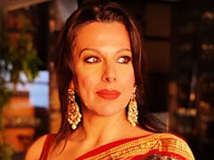 """Twitter Calls Out Pooja Bedi For Her """"Suffocating Masks"""" Post. Her Response"""
