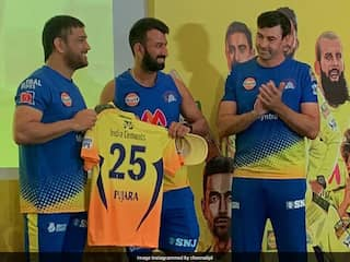 "IPL 2021: Here Is How Captain MS Dhoni Welcomed CSK ""Freshers"" Into The Team"