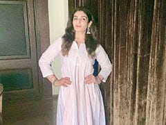 "On A ""Hot Summer Afternoon,"" Raveena Tandon Gets All Dressed Up Just To..."