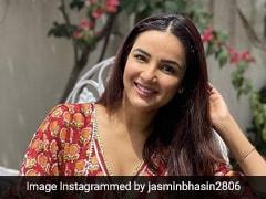Jasmin Bhasin Keeps Her Summer Ethnic Look Light And Breezy In A Floral <i>Salwar</i> Suit