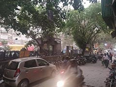 Strong Dust Storm And Rain In Delhi, Traffic Jams In Some Areas