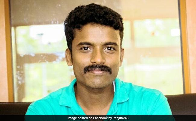 28-year-old Kerala Man Ranjith Ramachandran Story Goes Viral From Watchman  To IIM Professor - दिन में पढ़ाई, रात को चौकीदारी करता था यह शख्स, झोपड़ी  से निकलकर ऐसे बना IIM प्रोफेसर