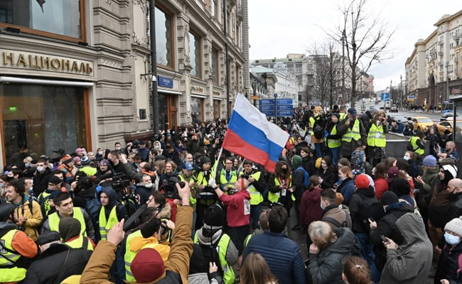 Over 1,700 Detained At Rallies In Support Of Kremlin Critic Across Russia
