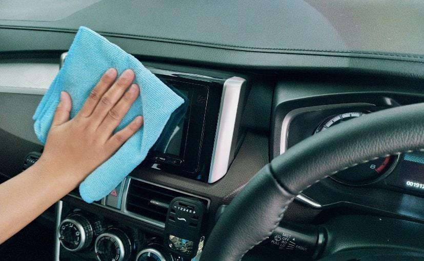 Berhati-hatilah dan bersihkan kabin mobil Anda secara teratur selama pandemi | Kredit Foto: Ariyo