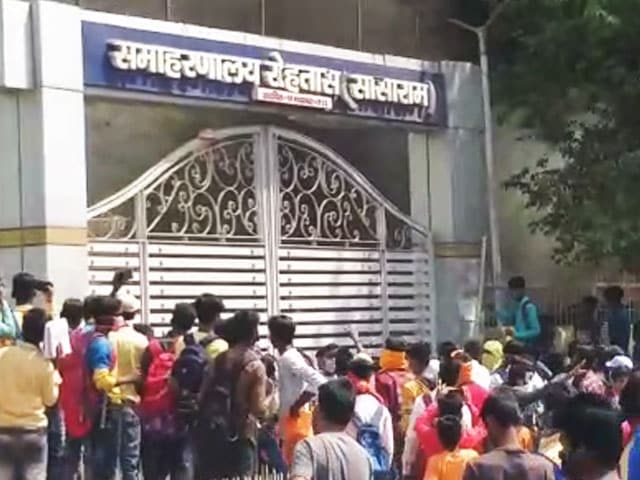 Video : Chaos In Bihar As Officials Try To Close Down Coaching Centres