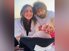 Nakuul Mehta And Jankee Parekh Singing <i>The Cuppycake Song</i> To Baby Son Is The Sweetest Thing You'll See Today