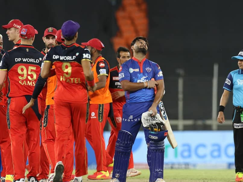 DC vs RCB, Indian Premier League: Royal Challengers Bangalore Beat Delhi  Capitals By One Run On Last Ball To Go On Top | Cricket News