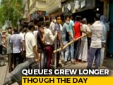 Video : Long Queues At Liquor Shops Ahead Of Delhi Lockdown; A Comment Goes Viral
