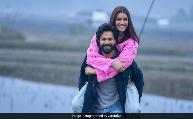 It's A Wrap For Kriti Sanon On Bhediya Sets. 'Bahut Mazaa Aaya Aapke Saath,' Writes Co-Star Varun Dhawan