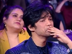 At Filmfare, Babil Couldn't Hold Back Tears During Tribute To Irrfan Khan