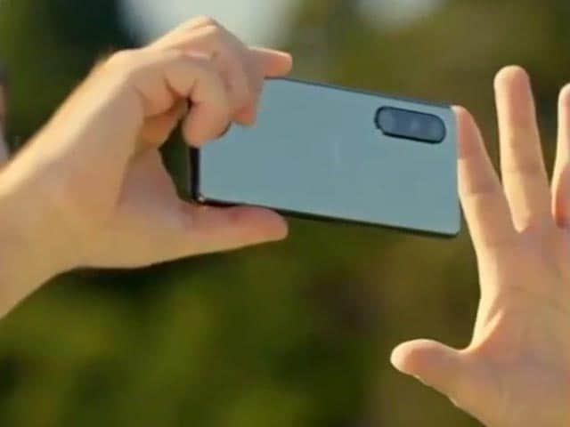 Video : Sony Launches New Xperia Phones