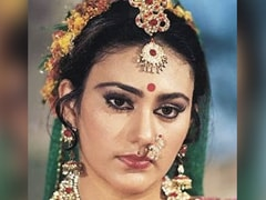 """<i>Ramayan</i> Star Dipika Chikhlia Announces The Show Will Air On Television Again: """"History Is Repeating Itself"""""""