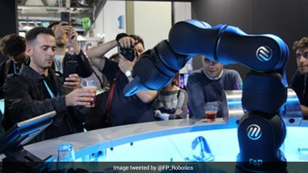 Bar Of The Future! Swiss Robot Bartender Makes Cocktails And Tells Jokes