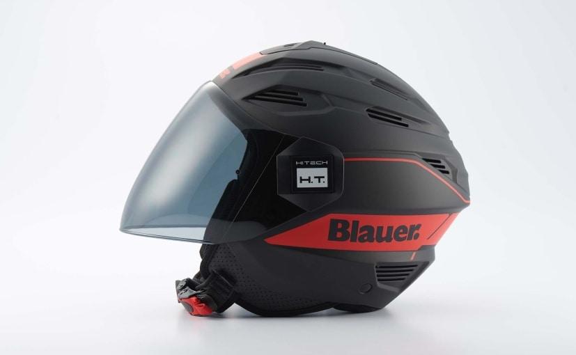 The Steelbird Brat range of helmets is manufactured in collaboration with Blauer