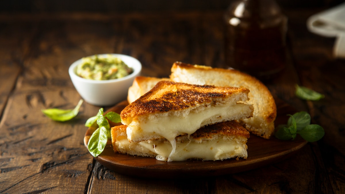 Banana Bread Grilled Cheese Sandwich - The Latest Food Trend Of 2021
