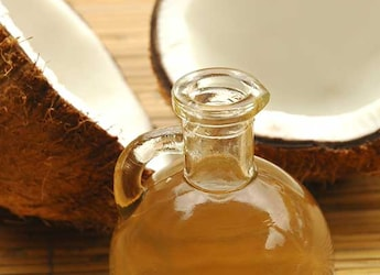 5 Healthy Coconut Oils To Add Flavours To Your Food